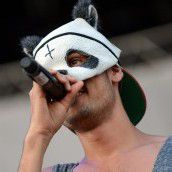 Panda-Masken-Rapper Cro erhält den Bambi