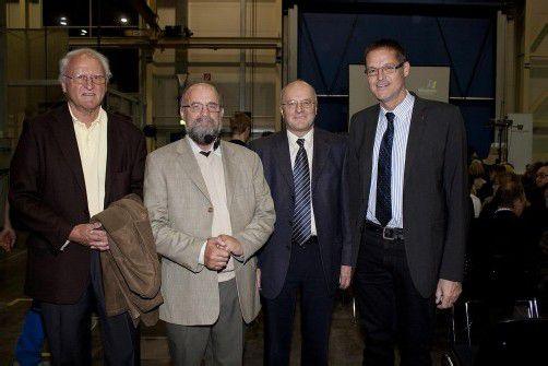 Referenten: Univ.-Prof. Raimund Margreiter (l.) mit Theo Kelz, Univ.-Prof. Reinhard Haller sowie Landesrat Christian Bernhard. Fotos: FRANC