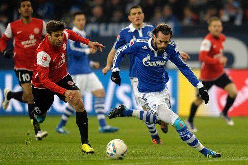 Spielt mit Schalke bei Arsenal London: Christian Fuchs. Foto:Dapd