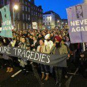 Iren demonstrieren für Recht auf Abtreibung