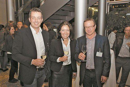 VIPAS-Geschäftsführer Gregor Hilbrand (l.) mit Barbara Schmalhardt (Russmedia) und Rudolf Gmeiner.  FOTOS: VN/M. Zudrell