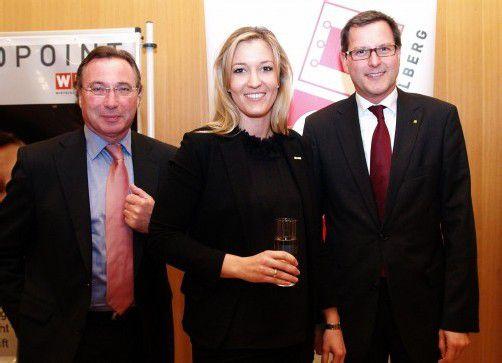 WK-Direktor Helmut Steurer (l.) mit Evelyn Dorn (Frau in der Wirschaft) und Vorstand Johannes Ortner (Raiffeisenlandesbank). Fotos: SIE