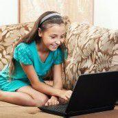 Verzicht auf Schlaf oder Essen für Zeit im Internet
