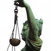 Justiz gefordert Vertrauen am Tiefpunkt /b1