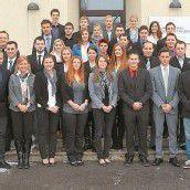 31 neue Polizeischüler treten den Dienst an