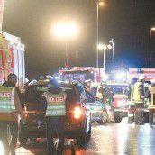 Zwei Mädchen (15) von Zug erfasst und getötet