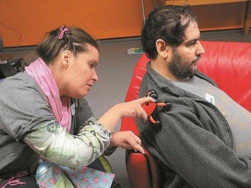Auch Menschen mit Behinderung haben ein Bedürfnis nach Liebe und Zärtlichkeit.  Foto: Lebenshilfe