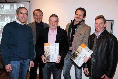 Bürgermeister unter sich: Martin Netzer (l.) sowie Karl Hueber, Standesrepräsentant Rudi Lerch, Herbert Bitschnau und Lothar Ladner. Fotos: Meznar