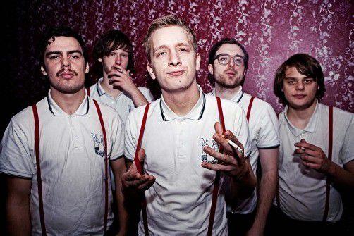 Das Debütalbum von Kraftklub erschien im Jänner 2012 und erreichte auf Anhieb Platz 1 der Media-Control- Album-Charts in Deutschland! foto: soundevent
