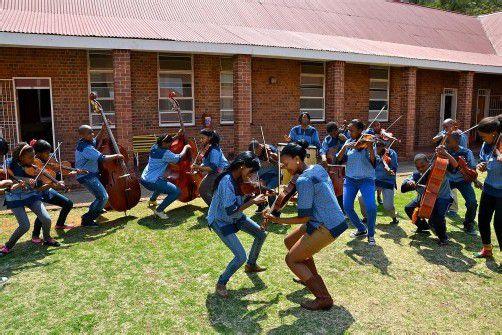 Das südafrikanische Orchester tourt durch Vorarlberg – Spitzenmusiker aus den Townships. Foto: Bochabela String Orchestra/K. Christa