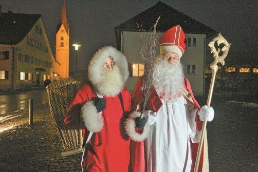 Der Nikolaus und Knecht Ruprecht haben heute wieder einen anstrengenden Abend vor sich. foto: VN/Hartinger