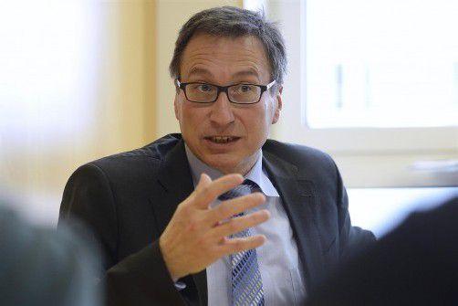 Der designierte Illwerke-VKW-Vorstand Helmut Mennel im Gespräch mit den VN.  Foto: VN/Stiplovsek