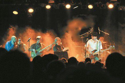 Die Haudegen der Vorarlberger Rockmusik musizieren einmal mehr für die Krebshilfe. Foto: altes kino