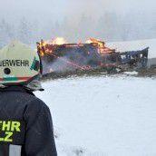 Hüttenbrand: Zweijährige als Lebensretterin in Tirol