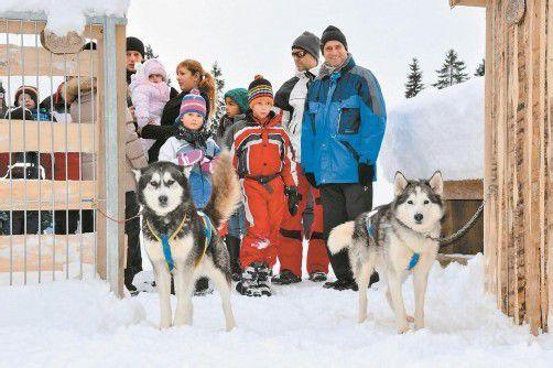 Die Huskys sorgten bei den Wintercamp-Besuchern auf der Tschengla für Begeisterung. Foto: SDH