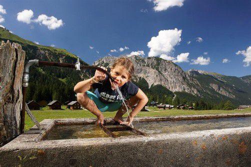 Die Wasserversorgung ist in Vorarlberg in öffentlicher Hand. Eine EU-Richtlinie soll Gemeinden nun eine Privatisierung ermöglichen. Edgar Mayer warnt im VN-Interview davor. Foto: Berchtold