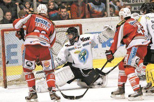 Dornbirn-Goalie Patrick DesRochers hielt – unterstützt von einer tollen Defensivleistung des gesamten Teams – den 4:1-Sieg fest. Foto: diener