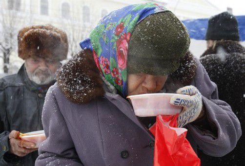 Eine Suppenküche in der südrussischen Stadt Stawropol versorgt die frierenden Menschen mit Essen. Foto: REUTERS