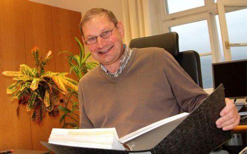 Elmar Gort betreute 43 Jahre lang die finanztechnischen Agenden der Gemeinde Göfis. Foto: koe
