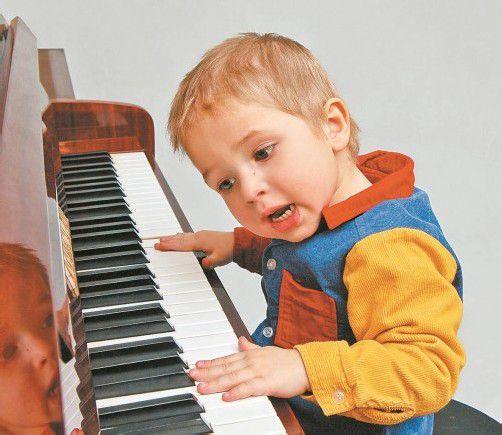 Eltern sollten so oft wie möglich mit ihren Kindern singen. Foto: fotolia