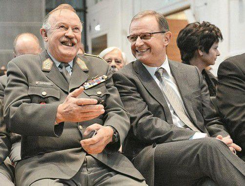 Gemeinsam für die Wehrpflicht: Generalstabschef Entacher (l.) und ÖVP-Klubobmann Kopf auf der Informationsveranstaltung. Foto: APA