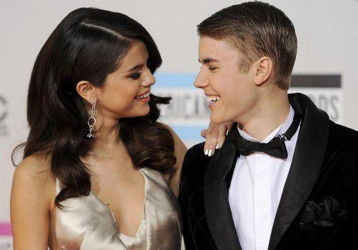 Glücklich vereint: Gomez und Bieber. Foto: AP
