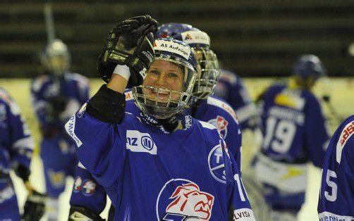 Im Vorjahr durfte die Dornbirnerin Eva Schwärzler mit den ZSC-Lions-Damen über die Silbermedaille jubeln. Foto: VN/Stiplovsek