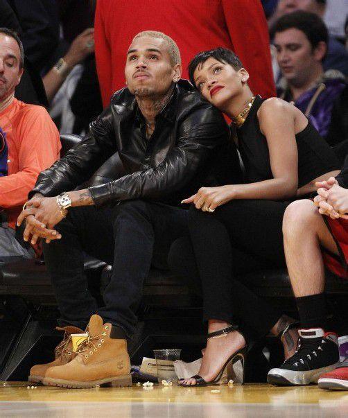 Rihanna und Chris Brown besuchten gemeinsam ein Basketballspiel der Los Angeles Lakers gegen die New York Knicks. Foto: REUTERS