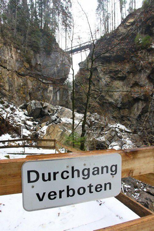 Seit dem Felssturz im Mai des vergangenen Jahres ist der Weg durchs Rappenloch gesperrt. Foto: vn/HOfmeister