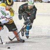Benefiz-Hockey vor 1000 Fans