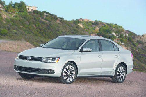 VW Jetta Hybrid: Kann bis zu  70 km/h rein elektrisch fahren.