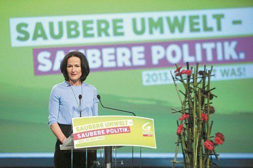 """Will ÖVP-Politik """"rückstandslos beseitigen"""": Eva Glawischnig auf dem Bundeskongress ihrer Partei in Linz. Foto: APA"""
