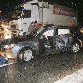 Autofahrer übersah Lkw