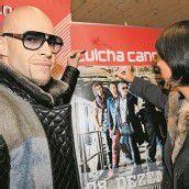 Signiertes Culcha-Candela-Poster wird zugunsten von Ma hilft versteigert