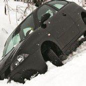 Auto musste aus Straßengraben gezogen werden