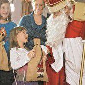 Der Nikolaus beehrt wieder Familien im ganzen Land