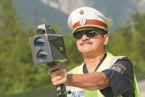 114.728 Strafzettel wegen überhöhter Geschwindigkeit wurden im Vorjahr verteilt. Foto: VN/Hofmeister