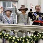 Königin Beatrix gibt ihr Amt ab