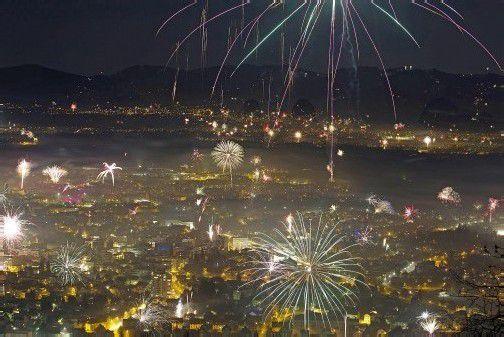 Wer am Samstag wieder Feuerwerkskörper steigen lässt, sollte sich seiner Verantwortung bewusst sein. Foto: VN/Hartinger