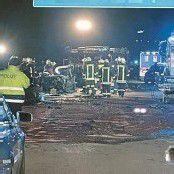 Sattelzug wendet auf Autobahn – Zwei Tote