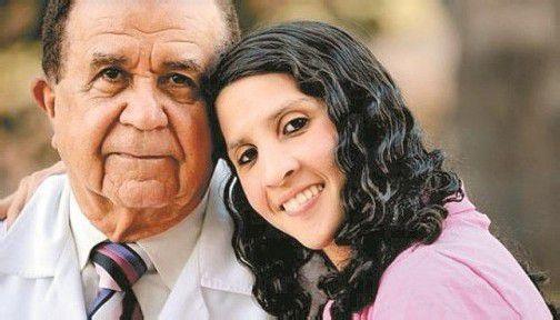 Chirurg Frederico Salles hat das scheinbar Unmögliche unmöglich gemacht und Auristela Viana da Silva zum Sprechen verholfen. Foto: EPA
