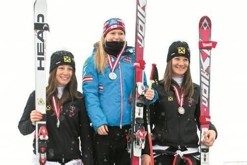Das Siegertrio bei den ÖSV-Titelkämpfen im Super-G, Kategorie U-18-Damen: Dajana Dengscherz, Ariane Rädler, Corina Mariner. Foto: steurer