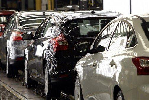 Den stärksten Verkaufsrückgang unter den großen Marken registrierte im Schlussmonat Dezember 2012 der Autohersteller Ford. Foto: DAPD