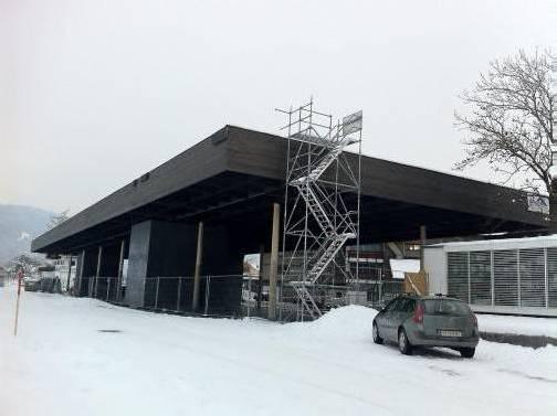 Der Bauplan des Werkraumhauses in Andelsbuch sieht als Nächstes die Erstellung der Fassade vor. Foto: ak