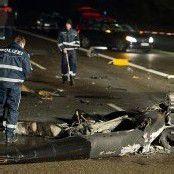 Hubschrauber stürzt auf Autobahn – Pilot tot