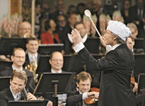 Der Maestro als Koch: Welser-Möst und die Philharmoniker. Foto: APA