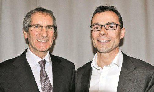 Der scheidende Gemeindechef Josef Mathis (l.) und Bürgermeisterkandidat Kilian Tschabrun. Foto: HW