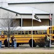 Mann erschießt Busfahrer und nimmt Kind als Geisel