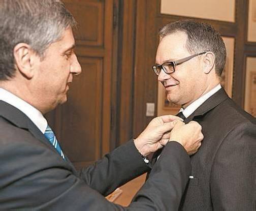 Ehrenzeichen der Republik: Außenminister Spindelegger im Februar 2012 mit Liechtensteins Regierungschef Klaus Tschütscher. Foto: APA