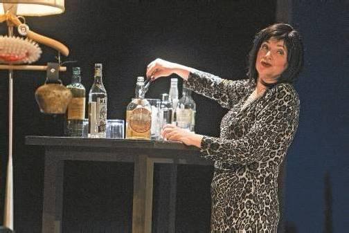 """Helga Pedross spielt die Martha in """"Wer hat Angst vor Virginia Woolf"""". Foto: VN/hartinger"""